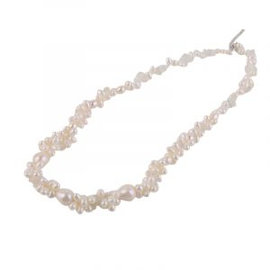 flowery pearl necklace