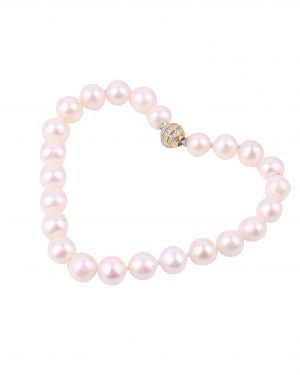 pearl bracelet with interchangeable clasp inspiring pearls