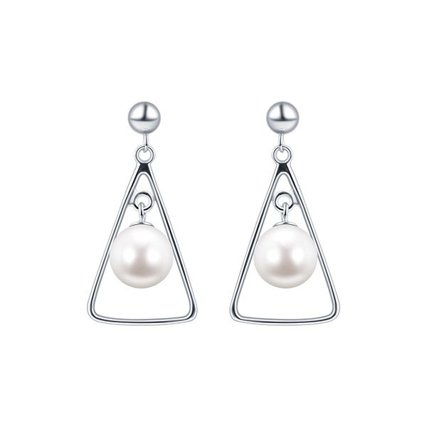 TRIANGLE SHAPE EARRING INSPIRING PEARLS