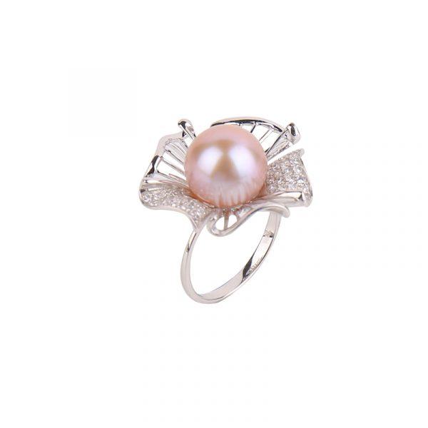 beautiful pearl ring inspiring pearls