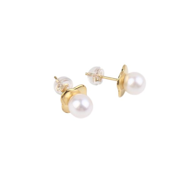 yellow gold pearl studs inspiring pearls